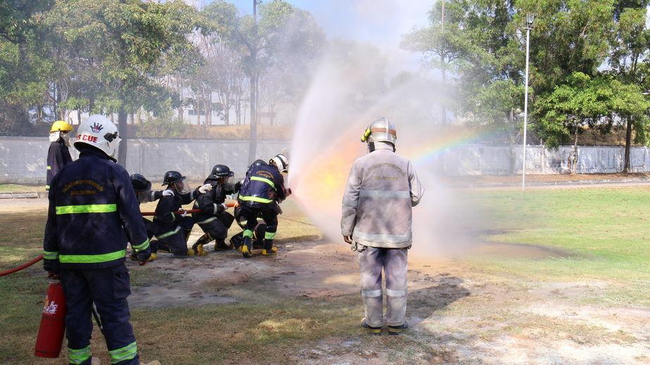 תרגול אירוע חירום של כיבוי אש